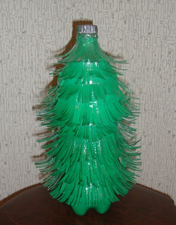 Елки к новому году из пластиковых бутылок