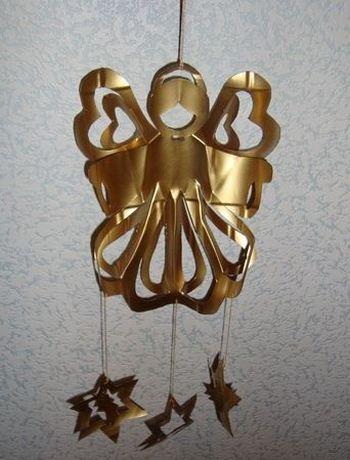 Новогодняя поделка из пластиковой бутылки - ангел