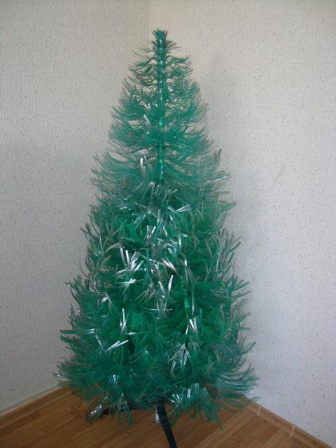 Большая елка из пластиковой бутылки своими руками