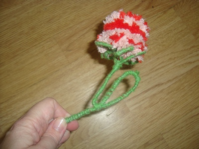 Цветок из помпона