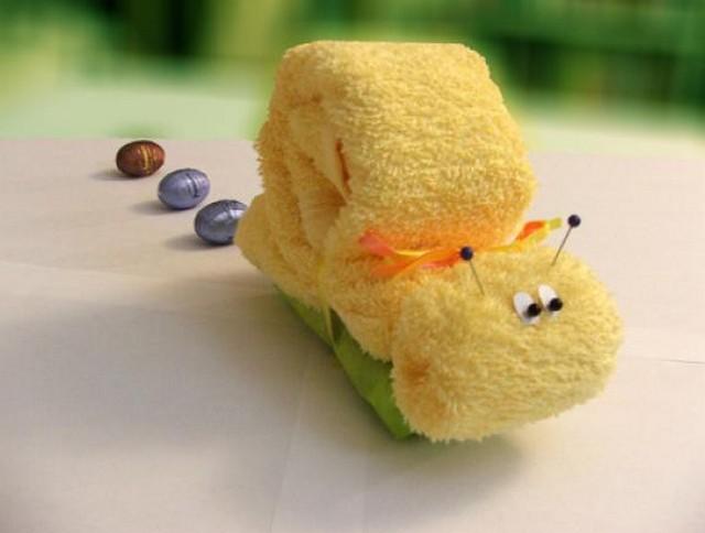 Как свернуть полотенце в подарок 36
