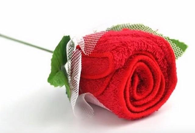 Розы из полотенец видео