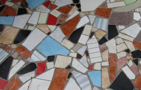 Мозаика из остатков плитки