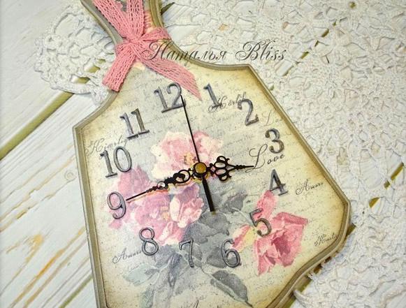 Часы из кухонной доски